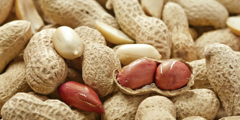 Что такое жареный арахис и полезен ли он