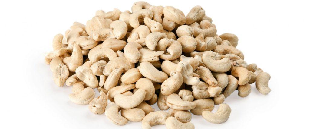 Чем полезны орехи кешью для женщин