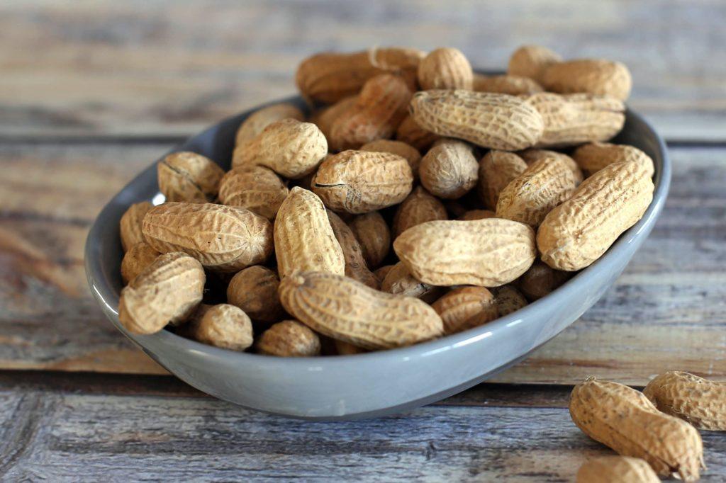 Что такое бланшированный арахис.