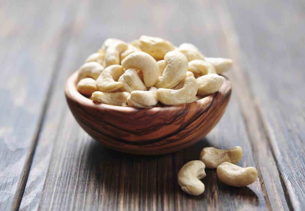 Как растет орех кешью? Фото, видео и другие материалы об этом странном орехе.